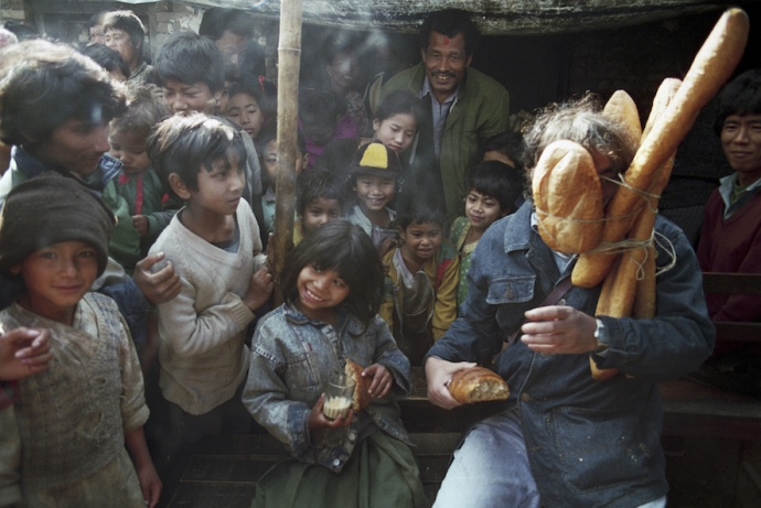 9.-Bread-Man-in-a-Morning-Cafe-Kathmandu-Nepal-1994-690x461